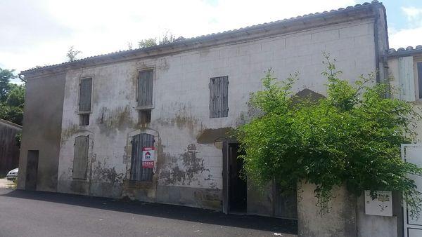 Renovation d'une ancienne maison délabré pres de bordeaux