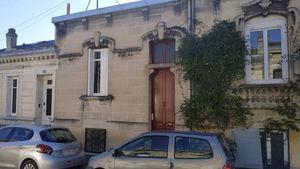 Estimation de budget de travaux pour le ravalement de la façade arrière, rénovation de la véranda et réhabilitation de la cave de cette maison à Bordeaux (33800)